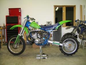 750cc 3-cylinder Kawasaki H2 motor in KX500 chassis